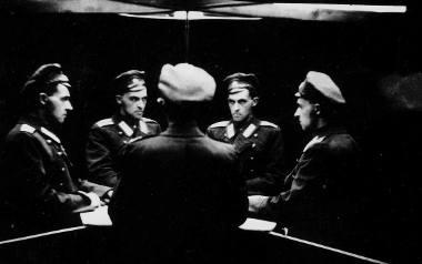 """""""Portret wielokrotny"""" - Witkacy w mundurze Pawłowskiego Pułku Lejb-gwardii. Zdjęcie zrobione w 1916 roku"""