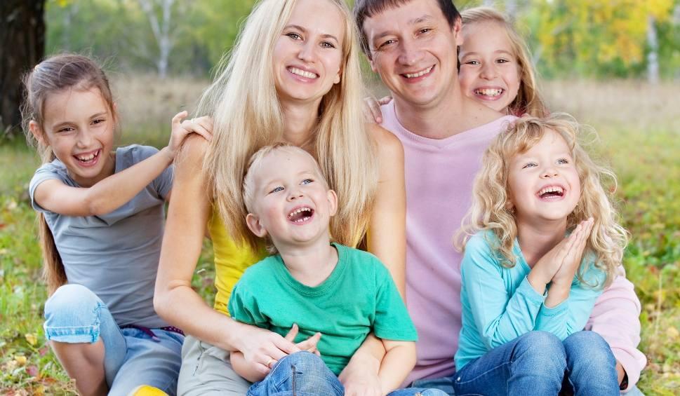 Film do artykułu: Program Mama PLUS. Kiedy wejdą w życie emerytury matczyne? Minister Elżbieta Rafalska: realny termin to…