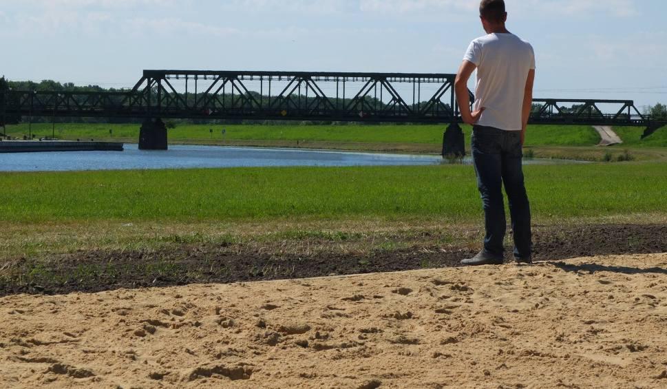 Film do artykułu: Miejska plaża powstała nad Odrą w Opolu