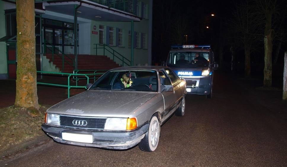 Film do artykułu: Pościg w Białogardzie. Kierowca miał blisko 3 promile