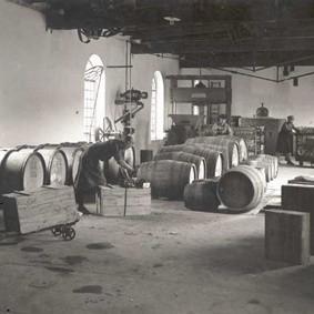 Hala produkcyjna w wytwórni Raetscha przy ul. Chrobrego
