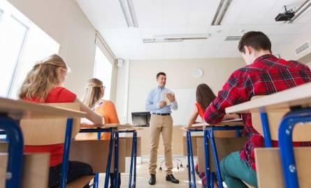 Czy zwolnienia lekarskie nauczycieli skontroluje Zakład Ubezpieczeń Społecznych?