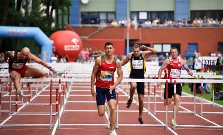 Damian Czykier potwierdził w Białymstoku swoją dominację w kraju w biegu na 110 metrów przez płotki
