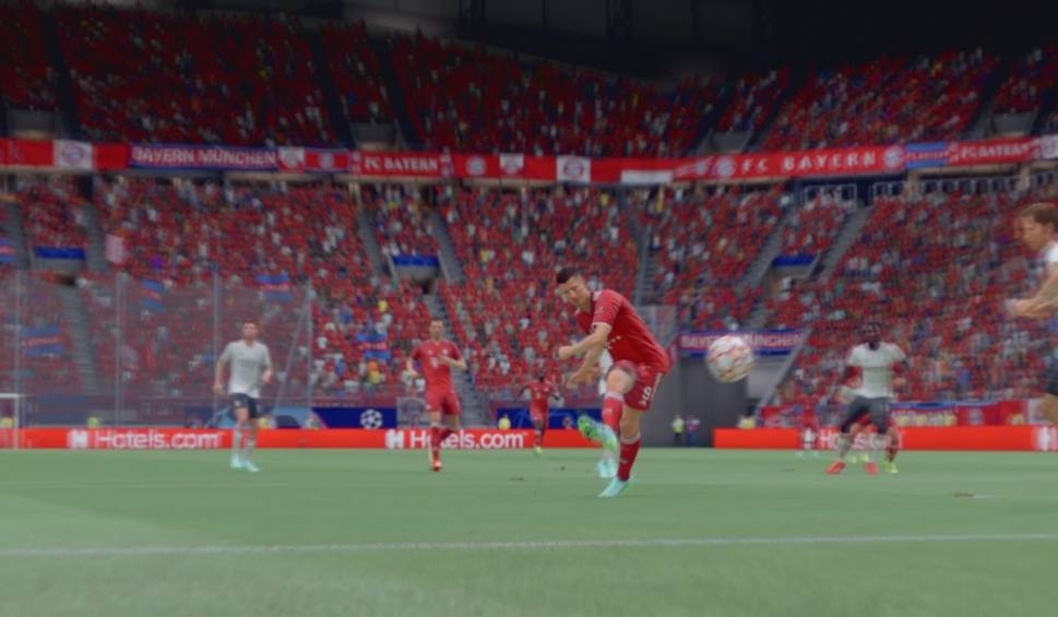 Film do artykułu: Lewandowski strzela i asystuje Muellerowi. Bayern pokonał Benfikę w FIFA 22 [WIDEO]