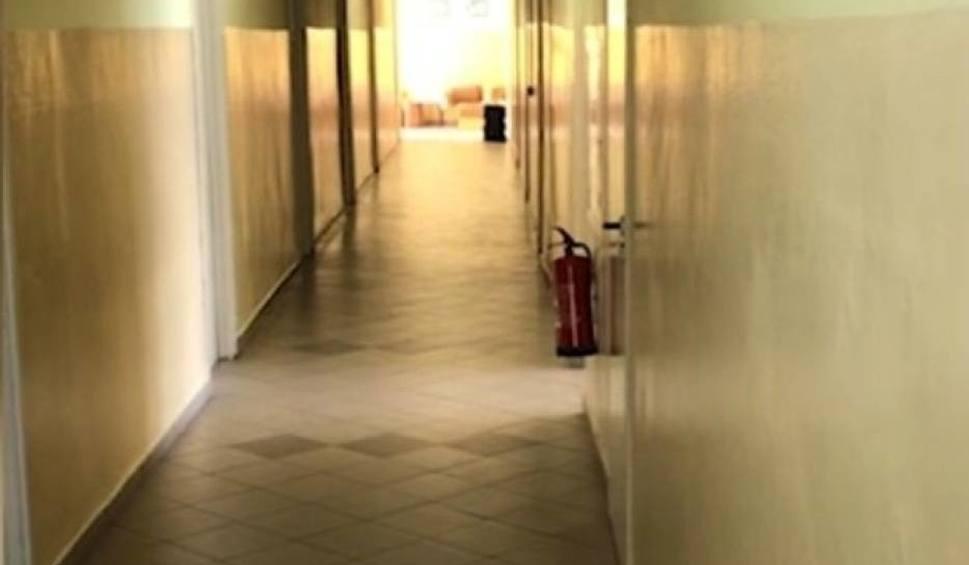 Film do artykułu: Co dalej z kwarantanną w internacie w Kielcach, gdzie panują skandaliczne warunki? Jest decyzja - nie będzie więcej skierowań