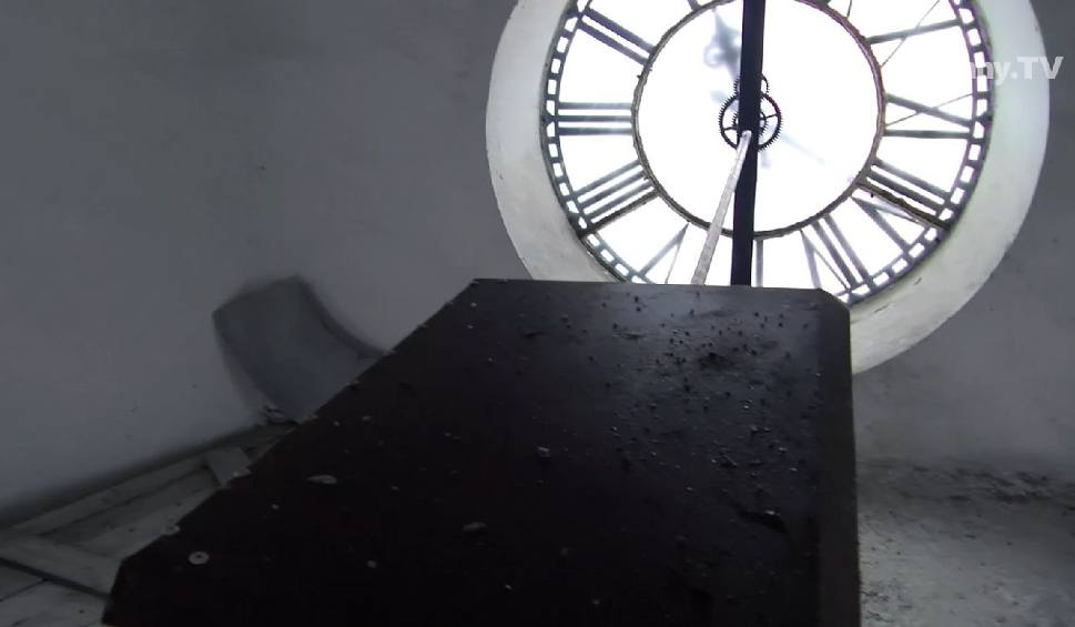 Film do artykułu: Ty tu nie wejdziesz. Wieża białostockiego Ratusza - kto lub co gra miejski hejnał? [wideo]