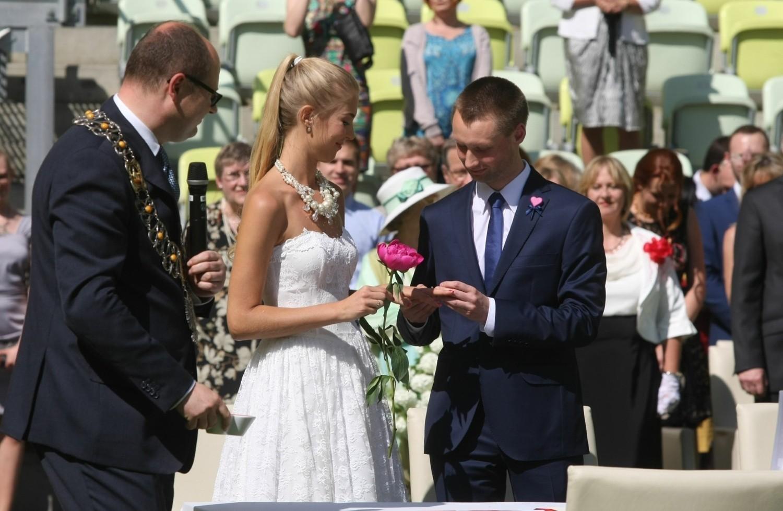 ślub Na Plaży Lub W Parku Ceremonia Poza Usc Będzie Możliwa