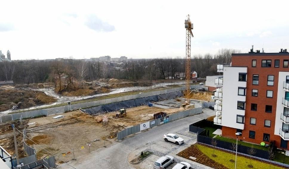 Film do artykułu: Katowice: rusza budowa dwóch nowych bloków na os. Franciszkańskim ZDJĘCIA