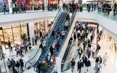Niedziela handlowa w jednej w galerii. Badanie Payback pokazało, że nie jest czymś, bez czego Polacy nie mogą żyć.