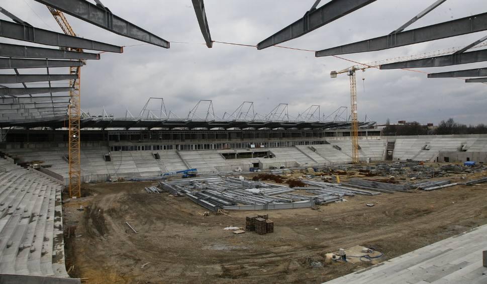 Film do artykułu: Budowa stadionu Widzewa Łódz. W maju dach i murawa [ZDJĘCIA]