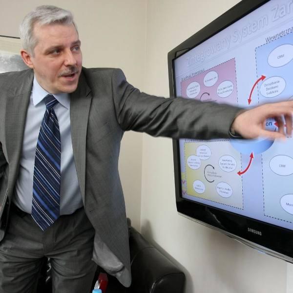 Prezes Dariusz Ciszewski nie uważa, że sytuacja spółki jest zła