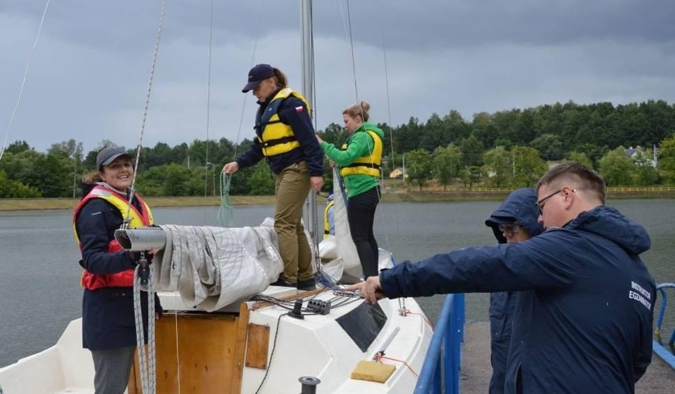 Film do artykułu: Mamy nowych żeglarzy! W Skarżysku na zalewie rejowskim po raz pierwszy od lat zdawano egzaminy na patent