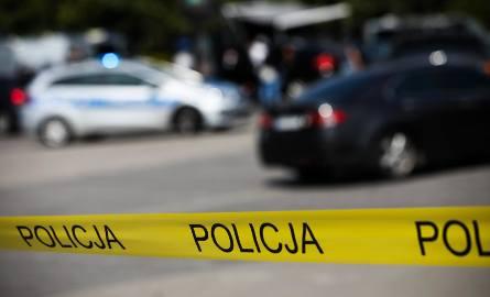 W śmietniku na os. Jagiellońskim znaleziono ciało mężczyzny.