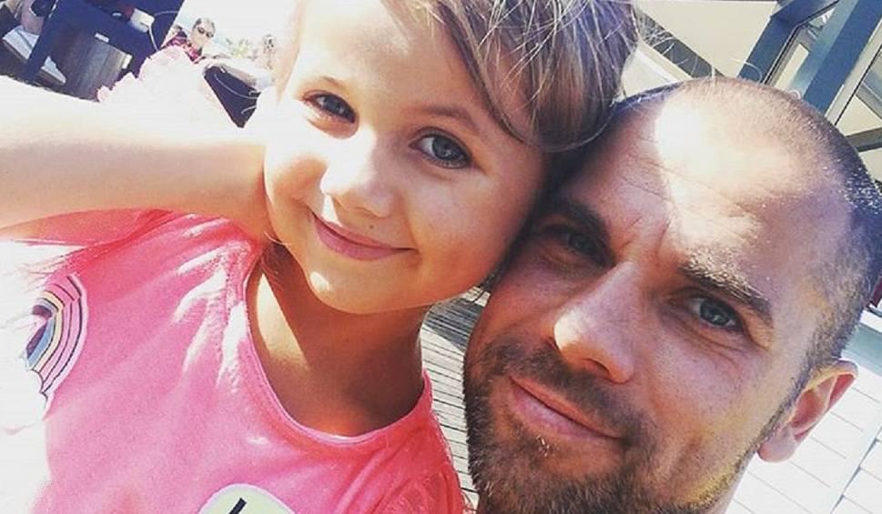 Film do artykułu: Córka piłkarza Bytovii walczy o życie. Filip Burkhardt prosi o modlitwę