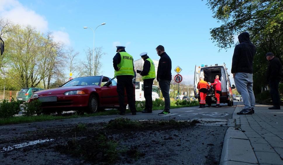 Film do artykułu: Wypadek autobusu na al. Piłsudskiego w Białymstoku (zdjęcia, wideo)