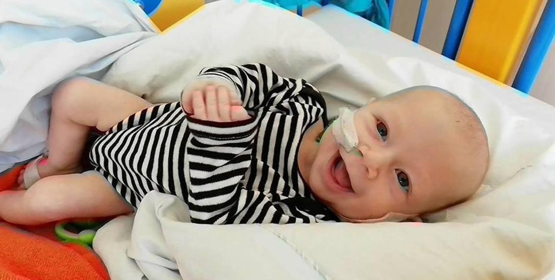 Mikołajek to radosny dzieciak. Niestety pod koniec marca jego stan bardzo się pogorszył. Szybko musi przejść kolejną operację
