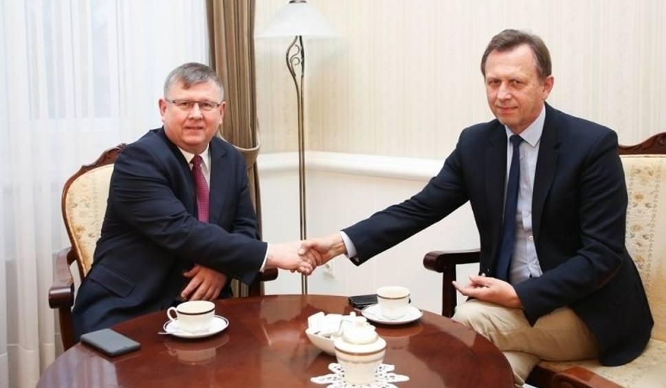 Film do artykułu: Witold Kozłowski przejął Urząd Marszałkowski i gabinet po Jacku Krupie