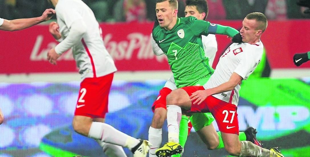 Walką i nieustępliwością niespełna 26-letni JAcek Góralski (nr 27) zdobył sobie uznanie Adama Nawałki. W reprezentacji zadebiutował 14 listopada 2016