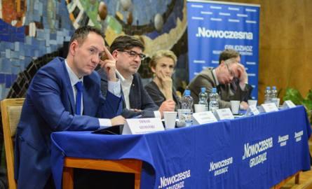 O reformie służby zdrowia debatowali w w Grudziądzu m.in. (od lewej) Tomasz Szymański (poseł PO), dr Łukasz Wojnowski (prezes Okręgowej Izby Lekarskiej),