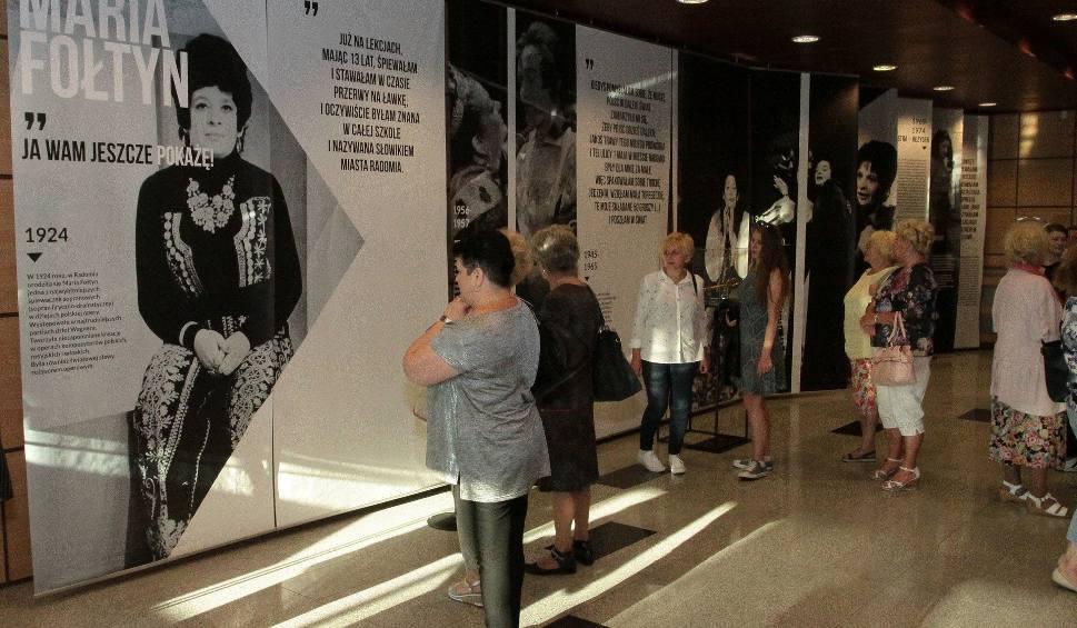 Film do artykułu: Radom. W Zespole Szkół Muzycznych otwarto wystawę poświęconą Marii Fołtyn. Odbył się też koncert