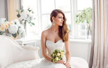 Szukasz pomysłu na suknię ślubną? Zainspiruj się: jak dawniej wyglądały panny młode? Moda ślubna kiedyś i dziś