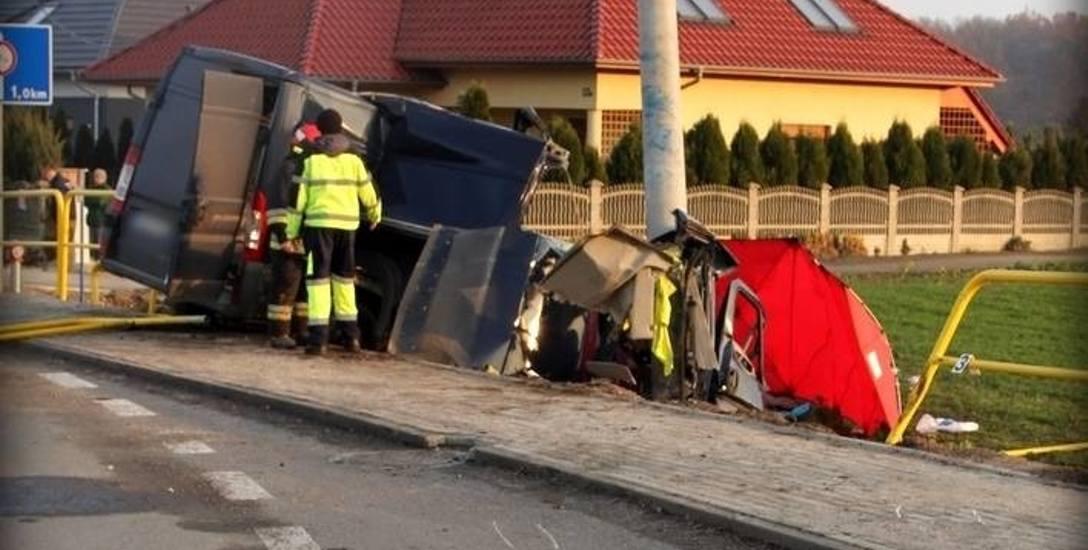 25 listopada 2016 roku. Pijany, 34-letni kierowca fiata ducato spowodował wypadek, w którym zginęła jedna osoba, a dwie zostały ranne.
