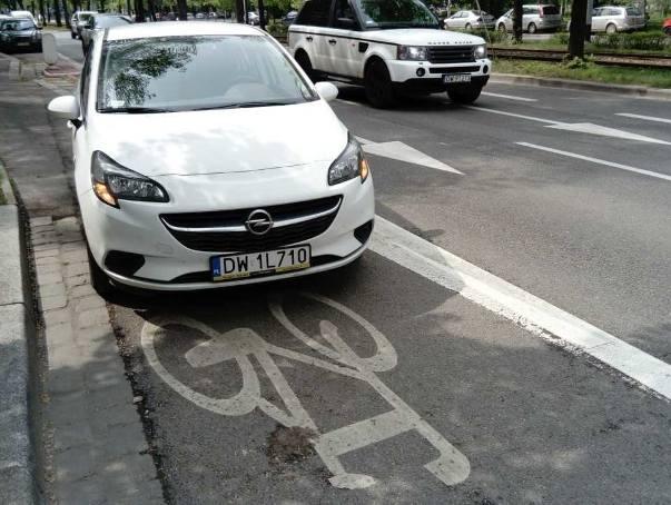 Mistrzowie parkowania dostaną mandaty. Teraz wystarczy zdjęcie