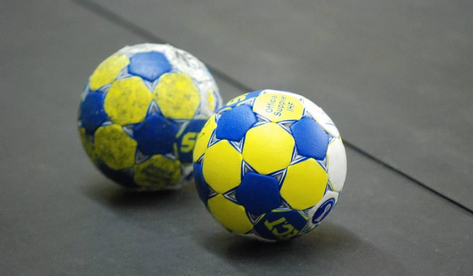 Film do artykułu: 2. liga piłkarzy ręcznych. Minimalna wygrana PGE VIVE II Kielce