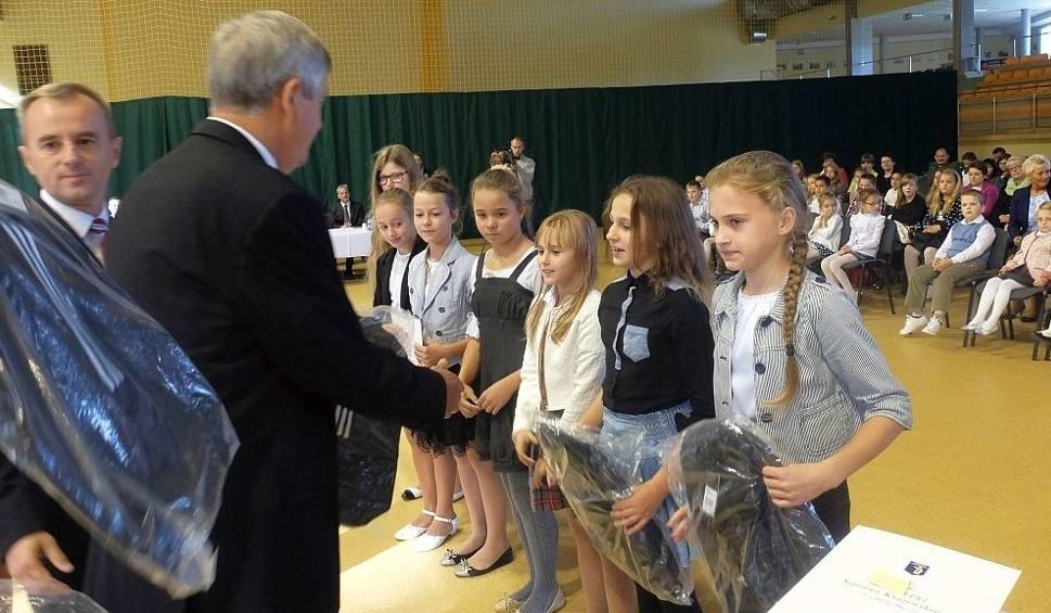 Film do artykułu: Najlepsi uczniowie z Sępólna dostali stypendia oraz nagrody [zdjęcia, wideo]