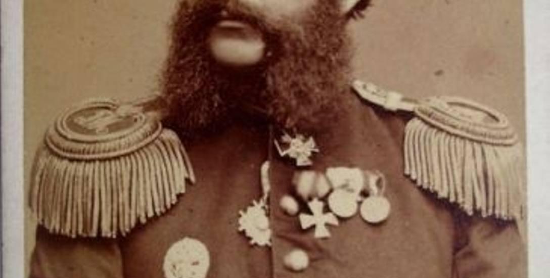 Generał piechoty Imperium Rosyjskiego Karol Woyde, brat Aleksandra. Fot. z atelier Waleriana Twardzickiego w Warszawie