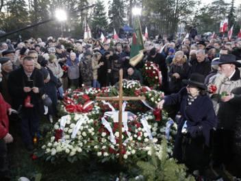 16.02.2019 warszawapogrzeb premiera jana olszewskiego powazki wojskowefot marek szawdyn/polska press