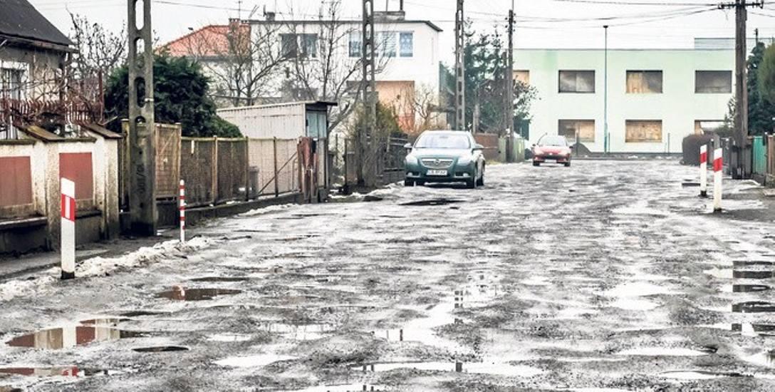 Jeszcze nie skończył się pierwszy etap zamieniania miejskich osiedlówek w porządne ulice, a juz szykuje się drugi etap. Prędko jednak się nie zacznie,