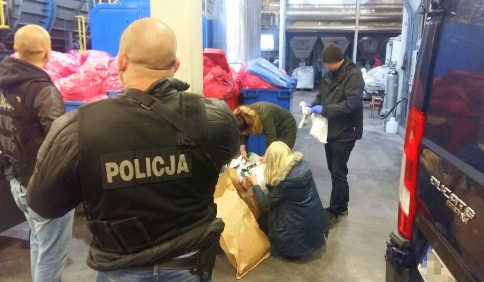 Film do artykułu: Pod okiem policjantów, 300 kg narkotyków spłonęło w piecu [ZDJĘCIA, WIDEO]