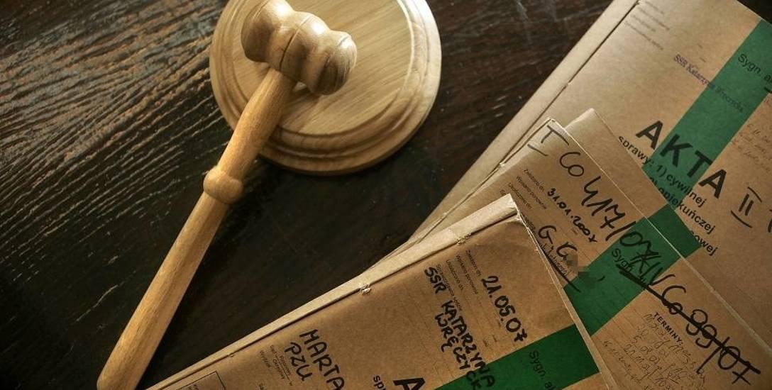 Śledztwo w sprawie wyłudzenia pieniędzy ze SKOK w Wołominie i banku BGŻ BNP Paribas. Białostocka prokuratura zakończyła śledztwo
