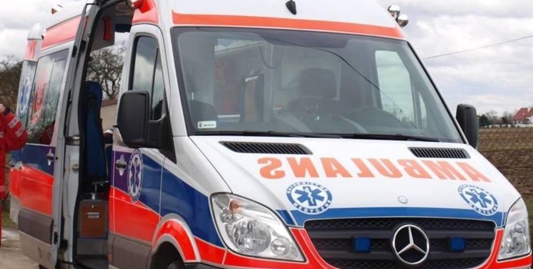 Ratownik medyczny z ropczyckiego pogotowia oskarżony o to, że podczas wizyt u pacjentów ich okradał