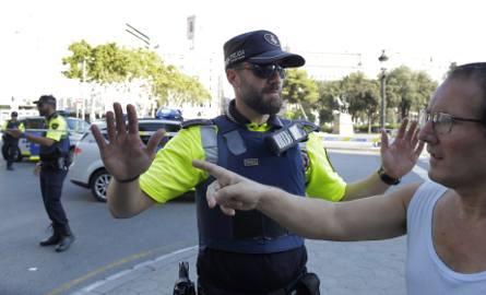 Zamach w Hiszpanii. Trwają poszukiwania kierowcy z Barcelony