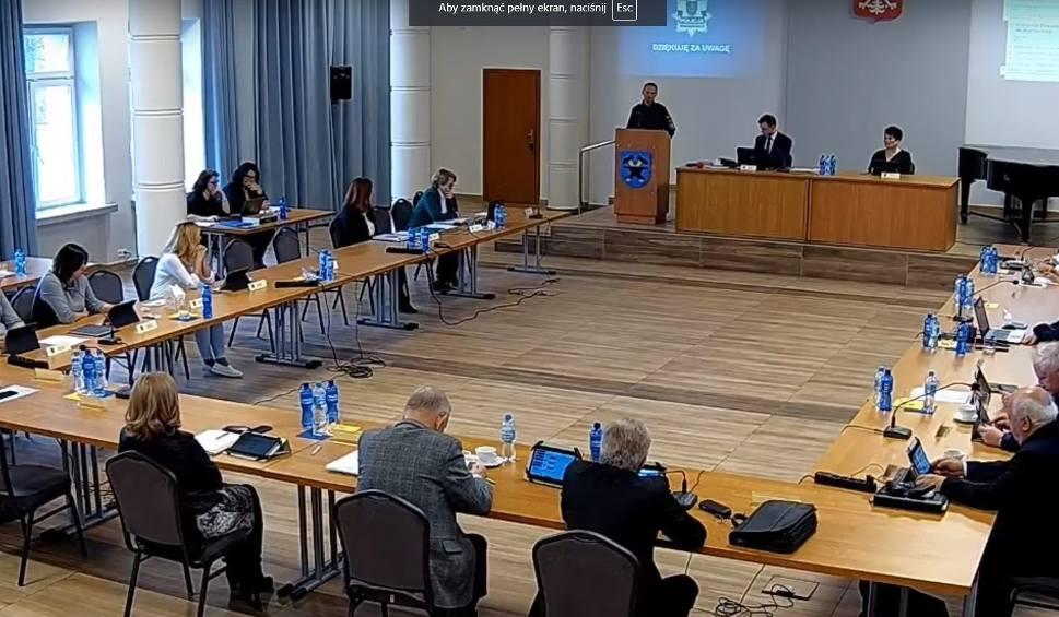 Film do artykułu: W piątek 26 kwietnia sesja Rady Miejskiej Starachowic. Relacja na żywo
