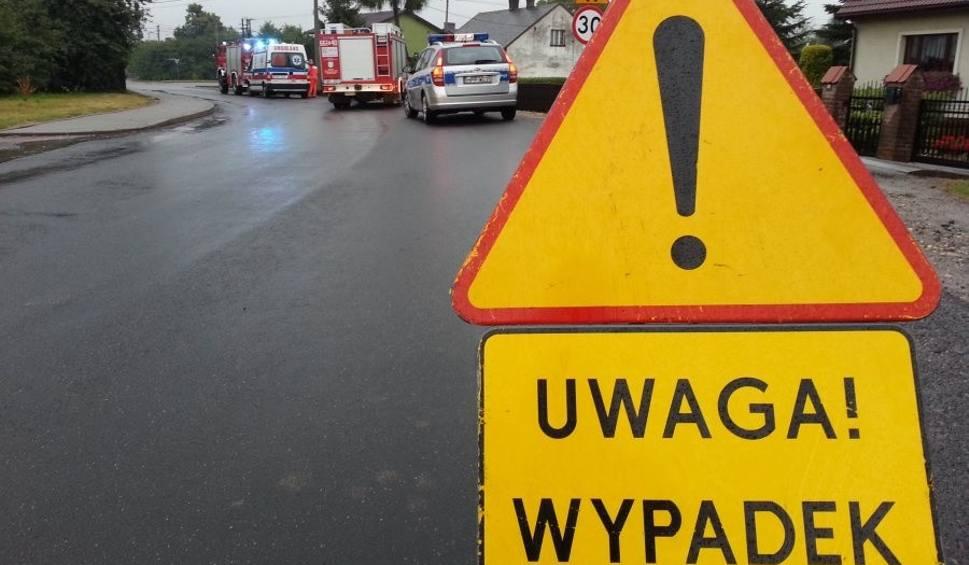 Film do artykułu: Wypadek w Jastrzębiu: Citroen wpadł do rowu
