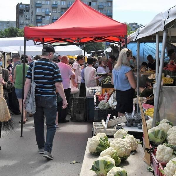Jak w każdy w piątek odwiedziliśmy kieleckie targowisko, sprawdziliśmy jakie są ceny najpopularniejszych warzyw, owoców i innych popularnych produktów