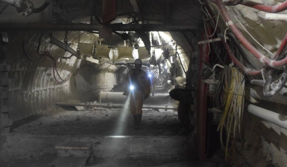 Film do artykułu: Koronawirus. W kopalniach PGG wydobycie węgla bez zmian. W JSW mniejsze o 40 proc.