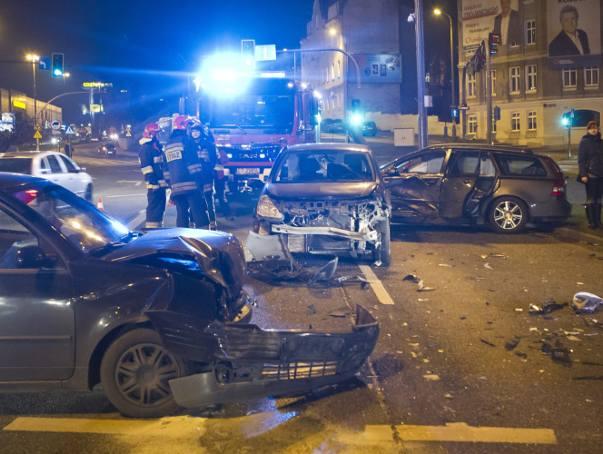 Wypadek w Bydgoszczy. Dwie osoby w szpitalu [zdjęcia]