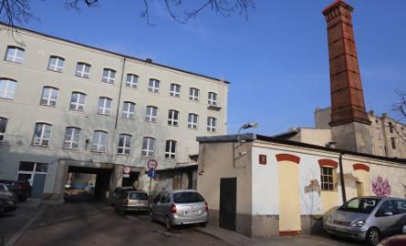 Teraz rozpoczyna się rewitalizacja budynku dawnej fabryki przyborów tkackich i maszyn przy ul. Tuwima Łódź. Remont zakończy się w 2020 roku. W budynkach
