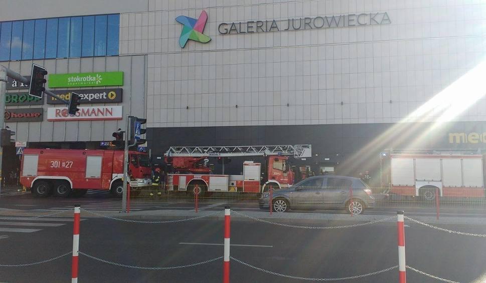 Film do artykułu: Alarm pożarowy w Galerii Jurowieckiej. To kolejny fałszywy alarm (zdjęcia, wideo)