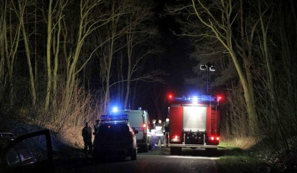 Film do artykułu: Śmiertelny wypadek pod Piłą. Samochód uderzył w drzewo
