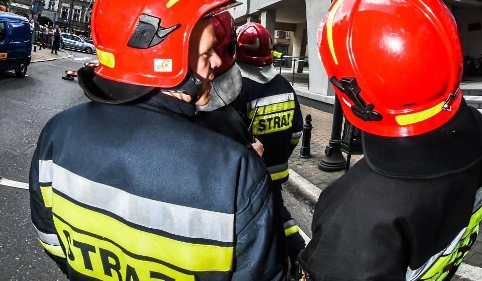 Film do artykułu: Uwaga kierowcy! Plama oleju na trasie od Bydgoszczy do Kruszyna Krajeńskiego