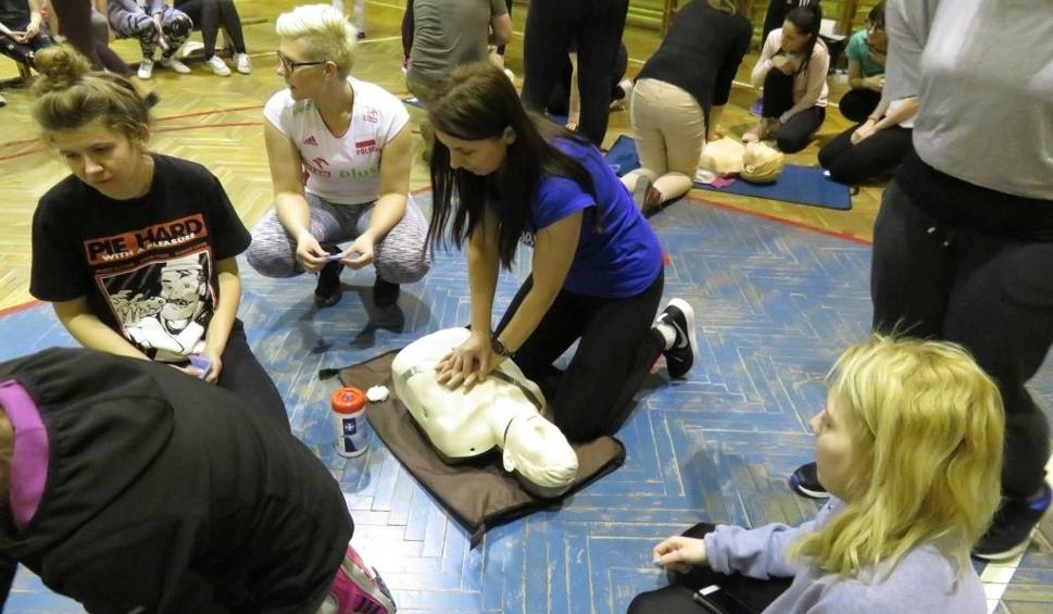 Film do artykułu: W Grójcu podczas kursu samoobrony panie uczyły się, jak udzielać pierwszej pomocy