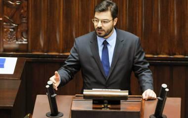 Stanisław Tyszka z Kukiz'15 przypominał, że przegłosowana ustawa jest pierwszą od 27 lat, która redukuje zatrudnienie w administracji.