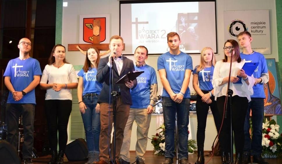 Film do artykułu: Projekt Wiara 2 w Skarżysku - niezwykłe wydarzenie ze świadectwami nawrócenia i hip - hopowym koncertem Rymcerzy