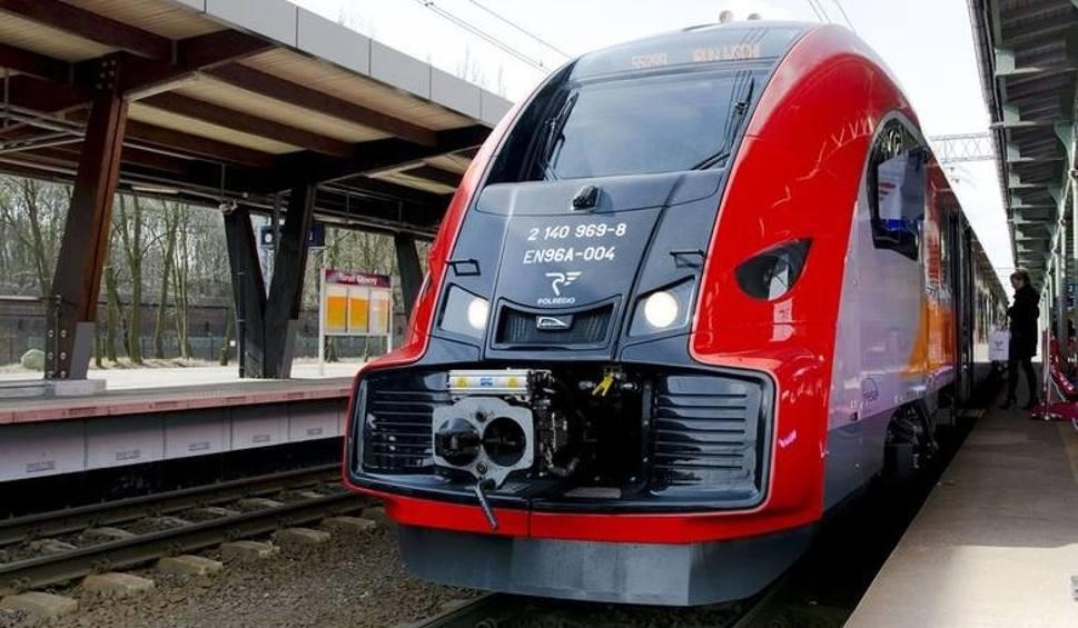 Film do artykułu: PKP. Zmienia się rozkład jazdy pociągów w Lubuskiem. Jak teraz będą kursować? Które pociągi ulegną zmianie? [NOWY ROZKŁAD JAZDY]