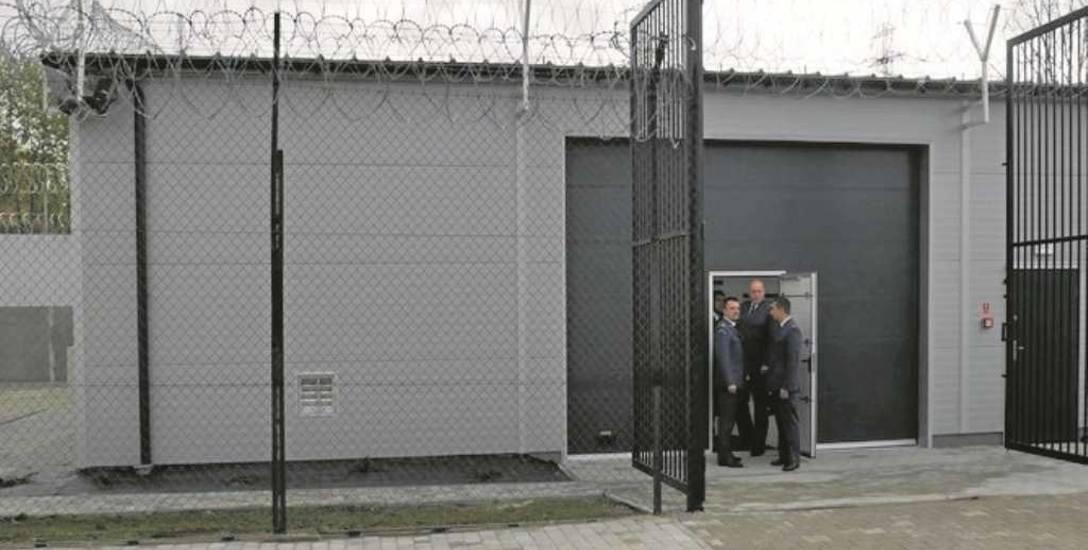 Trzebinia. Więźniowie mają pracę, bo zakład karny otworzył dla nich halę produkcyjną